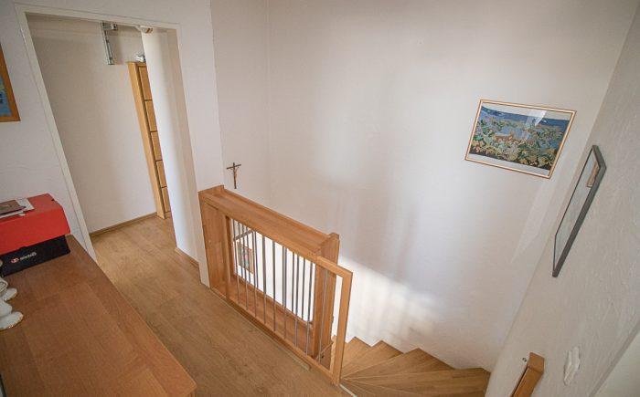 Flur + Treppenaufgang
