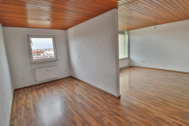 Essbereich + Wohnzimmer